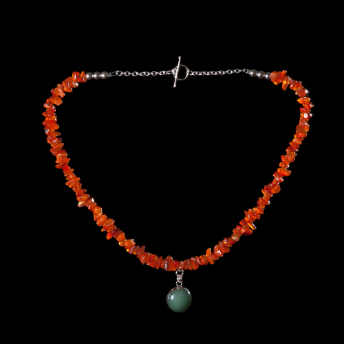 Carnelian chips with aventurine pendant necklace