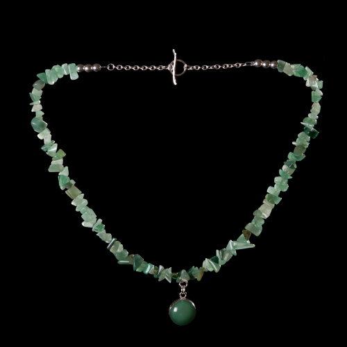 Aventurine chips with aventurine pendant necklace
