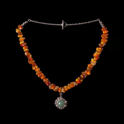 Carnelian chips with aventurine stone handset in silver detail pendant necklace